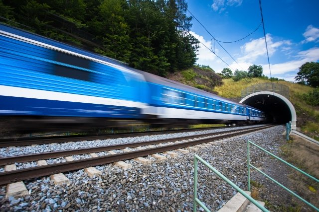 Late Swiss trains get green light to skip stations