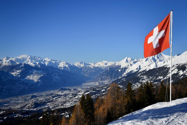 'It's a lonely country to live in': What you think about life in Switzerland