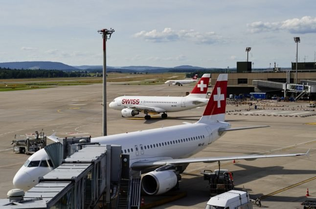 Swiss MPs vote for eco-friendly flight tax