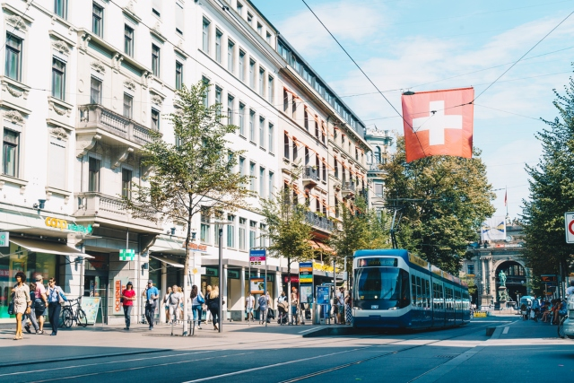 Zurich tourism boss calls for shops to be open on Sunday