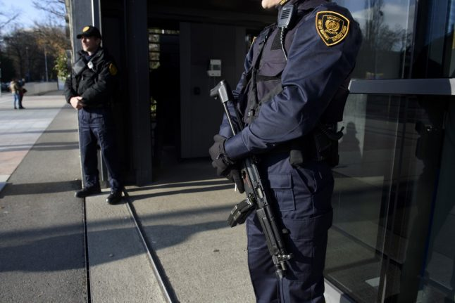 Swiss police target Islamist extremists in raids across the country