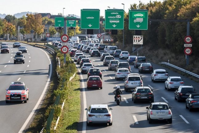 Record number of foreign workers commute to Switzerland from abroad
