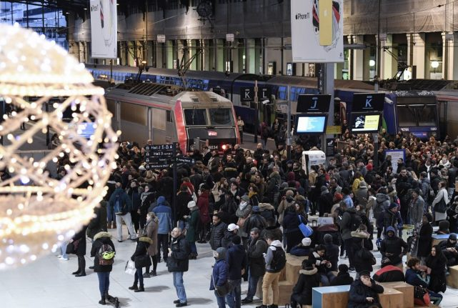Strikes: Will any French train services be running over Christmas?