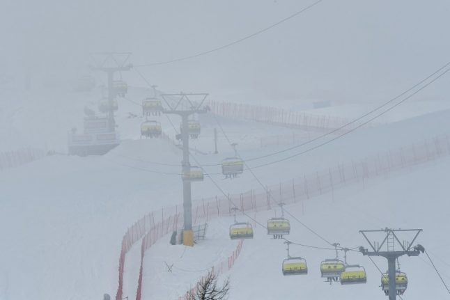 Four people seriously injured in Swiss ski chairlift accident