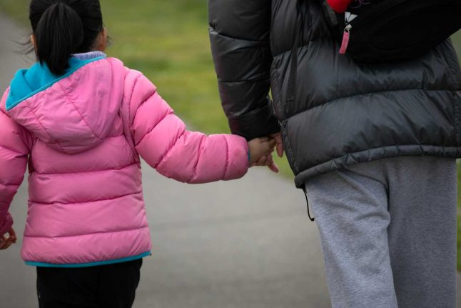 How Switzerland is assisting parents hit by the coronavirus crisis