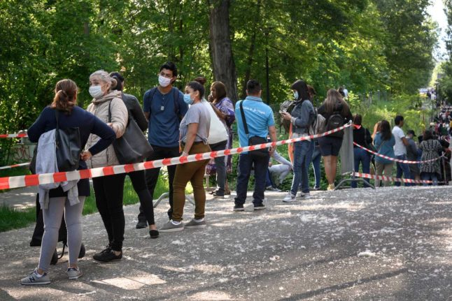 Coronavirus crisis lays bare poverty in Geneva as thousands queue for food