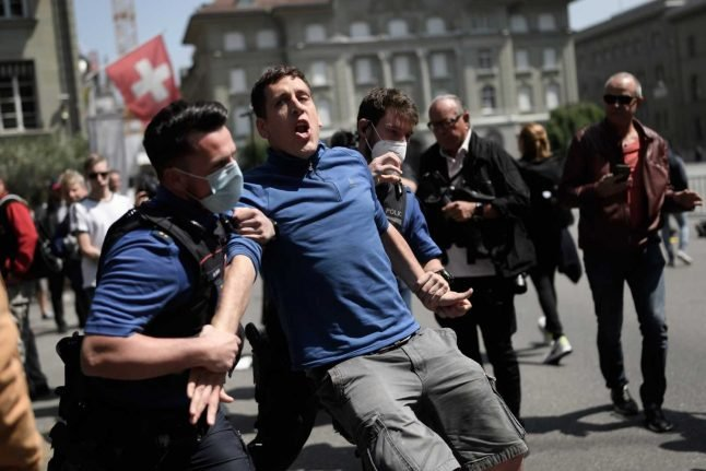 Switzerland to impose tougher penalties for violent protesters