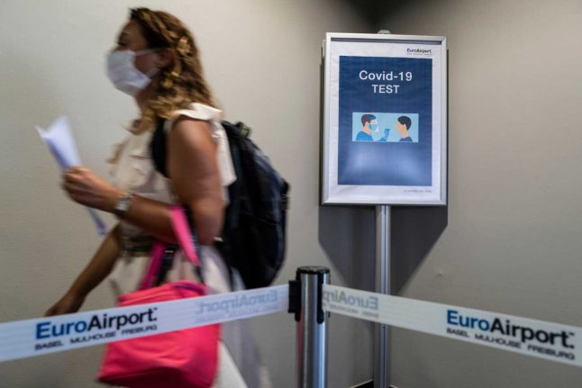 Basel to introduce compulsory mask requirement in bars, restaurants and shops from Monday