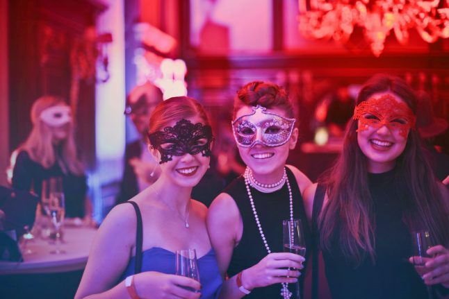Swiss authorities retract report stating two out of three new coronavirus infections come from nightclubs or restaurants