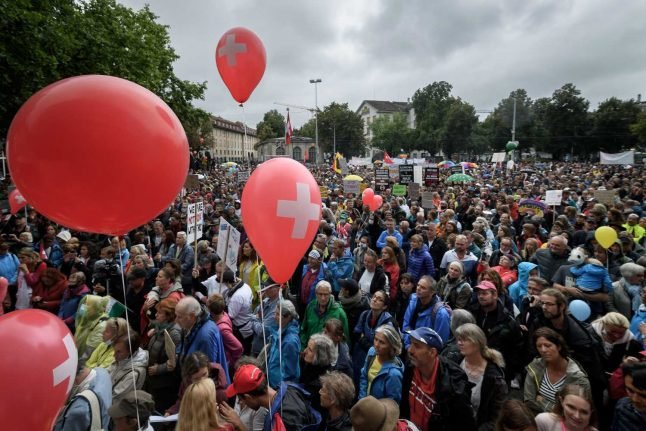 IN PICTURES: Hundreds attend coronavirus skeptic rally in Zurich