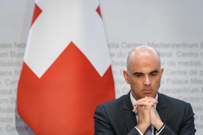 Switzerland rejects call from cantons to cut quarantine