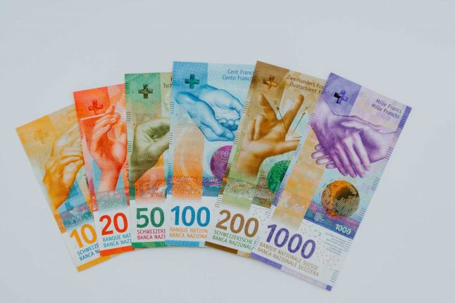 Switzerland: Referendum launched to give every citizen 7,500 francs