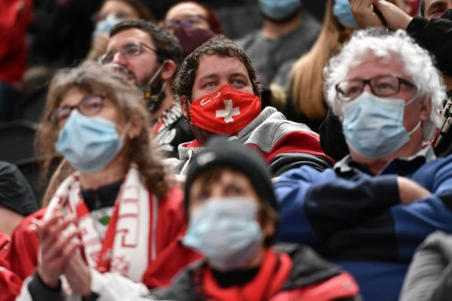 Three Swiss cantons impose new face mask requirements