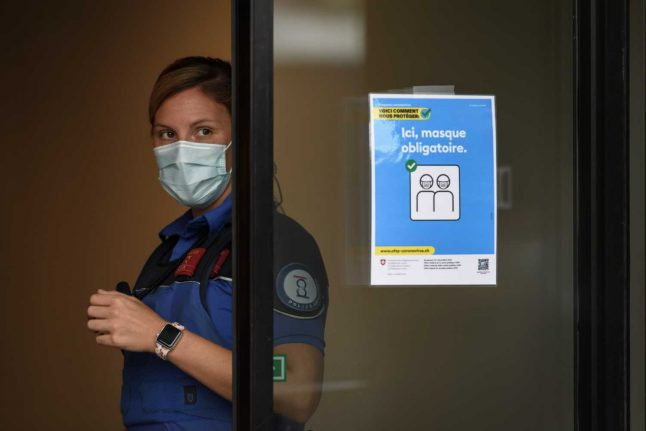 Lockdown looms likely as Switzerland's epidemic reaches 'mid-March levels'