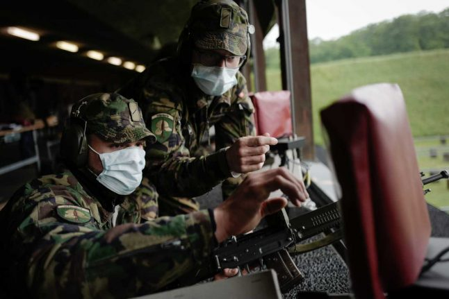 Swiss army 'on the front lines' in coronavirus battle