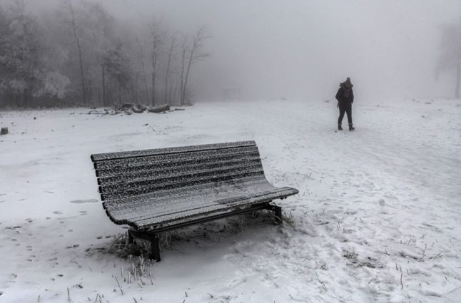 Weather warning: Swathe of Switzerland faces heavy snow and gales