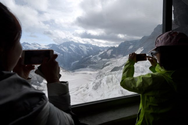 'Golden visas': How multi-millionaires are 'buying' Swiss residency permits