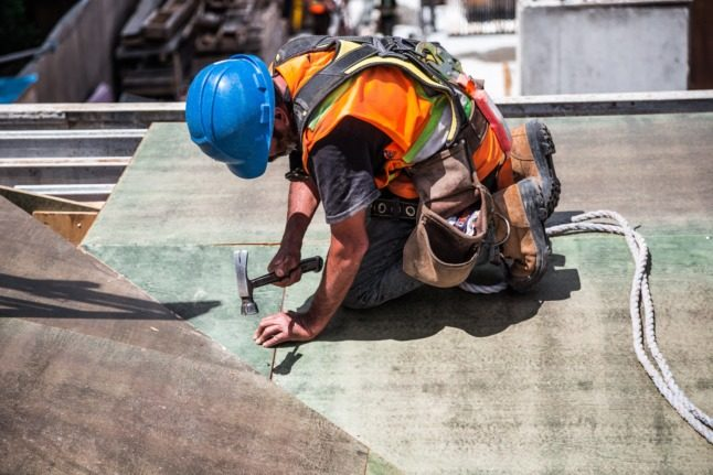 Noisy construction work in Switzerland: What are my rights?