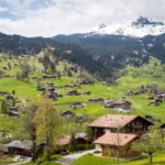 Property: In which Swiss cantons are homes the cheapest - and the most expensive?