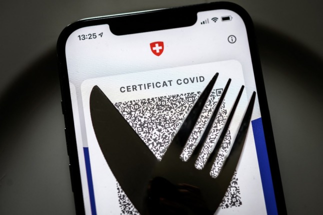 Canton-by-canton: How visitors can get Switzerland's Covid certificate