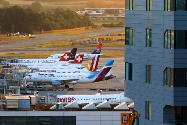UPDATE: Switzerland confirms only vaccinated Americans and Brits can enter
