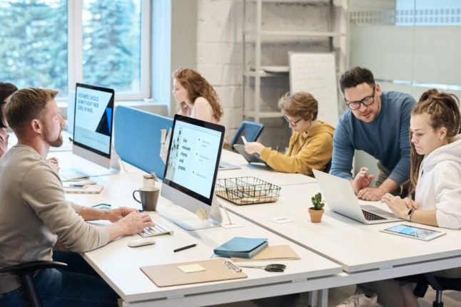 Jobs in Switzerland roundup: Covid certificate may be used in workplaces